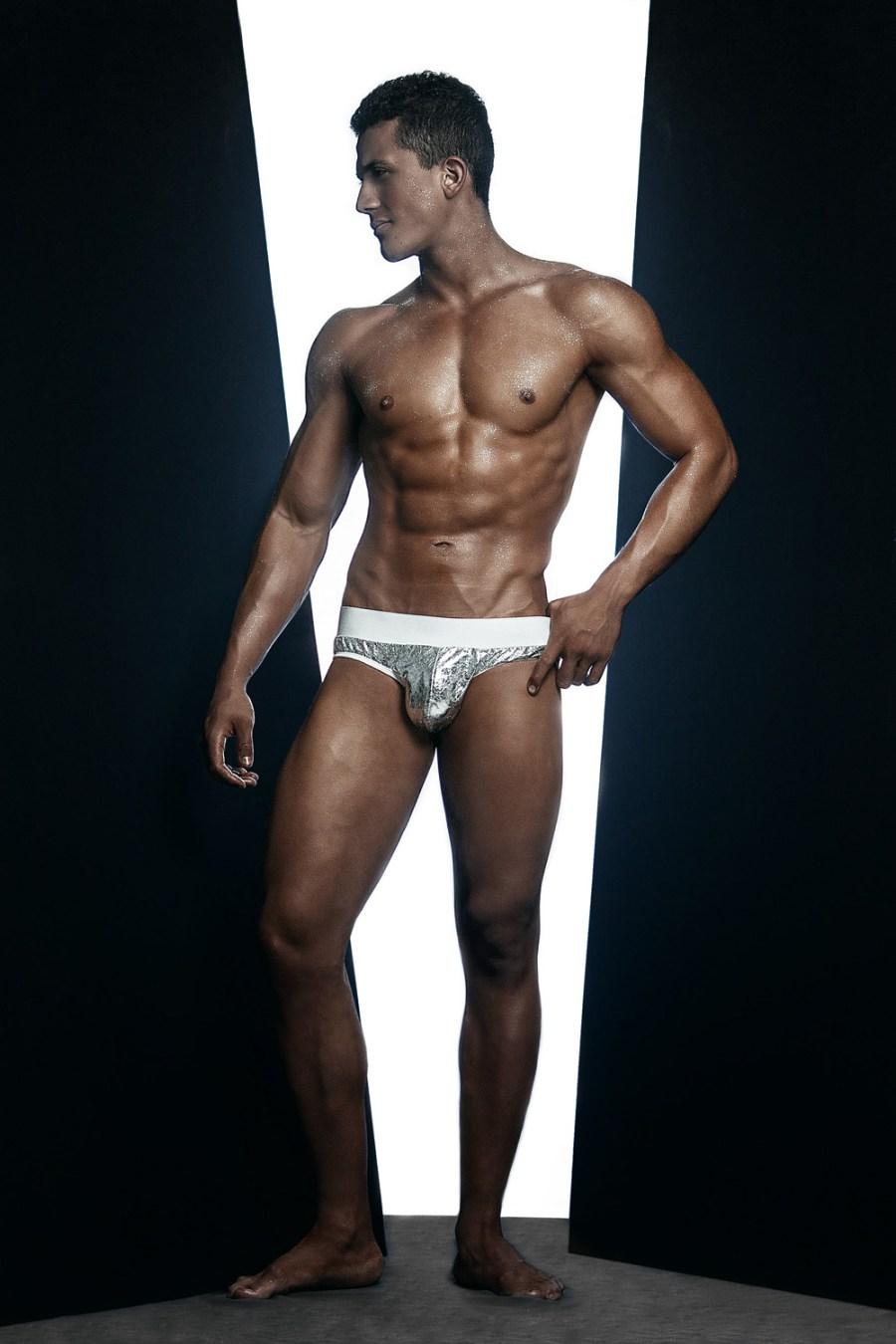 Erik Ramos by Chris Femat for Fashionably Male417