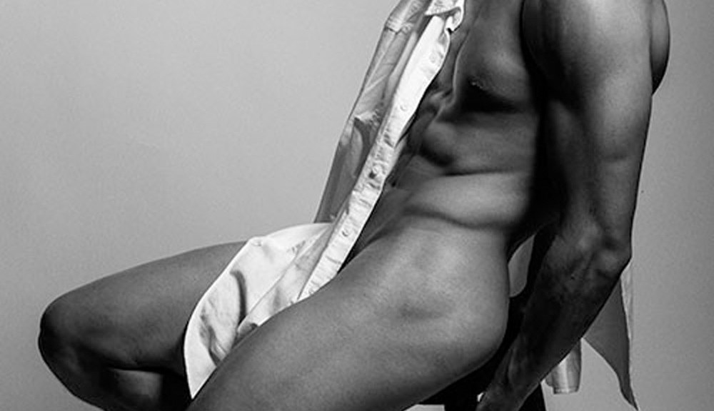 Soul Artist Model Eian Scully updates his book with some very sexy and revealing snaps by Harol Baez.