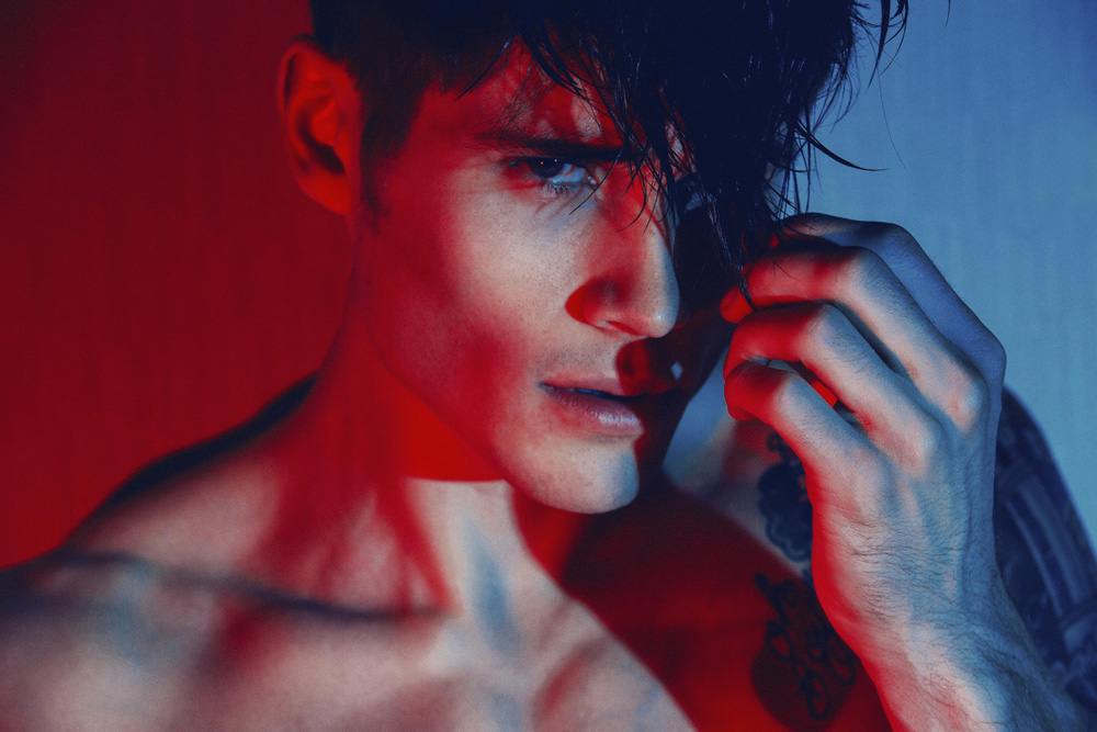 "New York City the City that never sleeps is the witness for the new images captured by photographer Alex Jackson in exclusive exposing for the first time in Fashionably Male, entitled ""Nigh Walker"" with Jake Filling from New York Model Management."