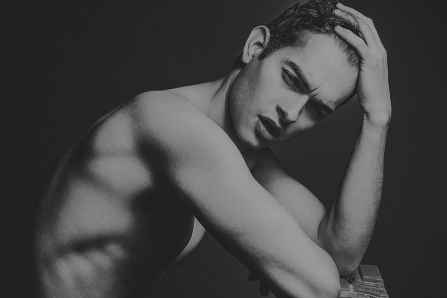 Introducing this gorgeous Mexican boy Ricardo Cárdenas (23 yo) flashes his sex appeal marvellously shot by photographer Emmanuel Villa