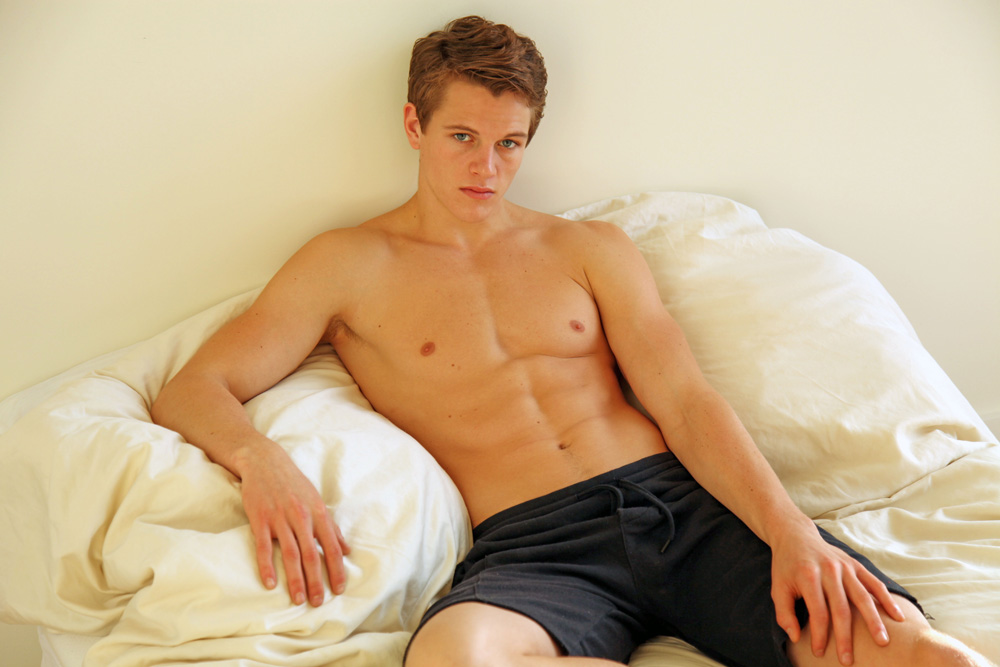 Everybody Loves Alex...by Stefan Mreczko Everybody loves Alex!!! Model Alex Valley certainly seems poised to be the next big sensation. The charismatic 20-year-old North Dakota native is with Front Model Management in Miami and Soul Artists Management in New York. Alex is based in NYC. In this new PnV Network pictorial exclusive, Alex stars in a fabulous Stefan Mreczko shoot in New York. Mreczko, a Philadelphia native, is based in NYC and shoots images that ranges from portraits and editorial, to candids and promotional work. Mreczko has been snapping images since he was in the 8th grade when his father gave him a 35mm Minolta camera. Enjoy!