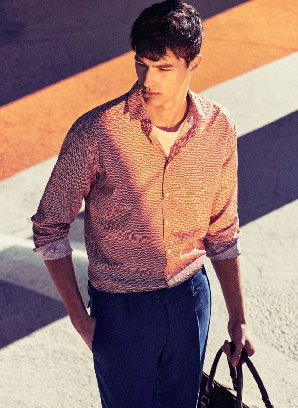 Mix elegance with colour. Discover our March lookbook: http://1.mng.us/ZF4nR #MANGOMan