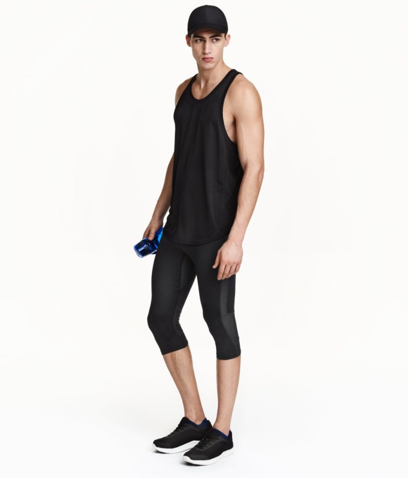 New items has arrive in all H&M world wide stores for the Sportswear Collection 2016. Leading top model Alessio Pozzi, inspirational and motivational gear to get up your butt and start to jump around. Including gym wear with aerodynamic fabrics and running gear like leggings, and fresh new tops