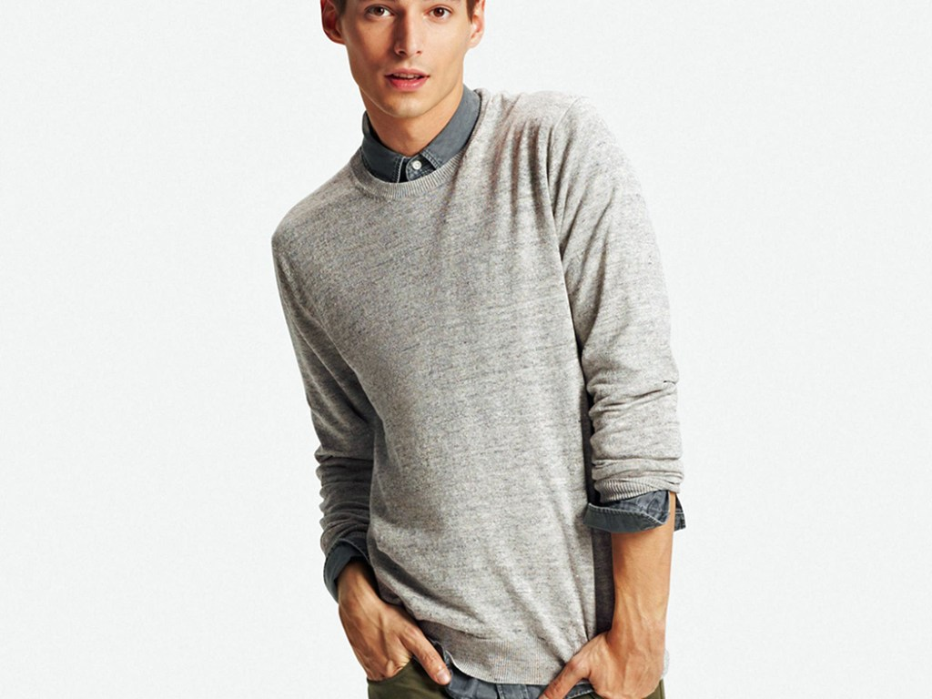 Wojtek Czerski is modeling part of the new Linen Collection Spring 2016 for UNIQLO USA. Including fresh items like Lightweight sweaters and cardigans made from high-quality French Linen.