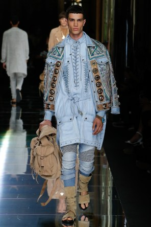 BALMAIN MENSWEAR SPRING SUMMER 2017 PARIS (12)