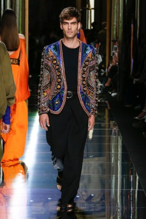BALMAIN MENSWEAR SPRING SUMMER 2017 PARIS (20)