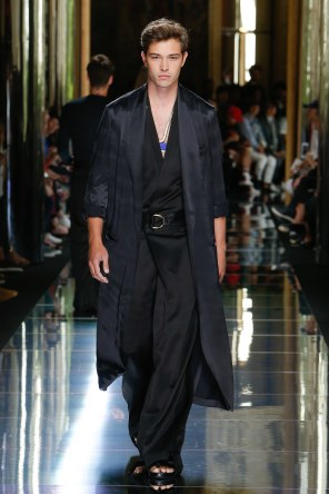 BALMAIN MENSWEAR SPRING SUMMER 2017 PARIS (78)