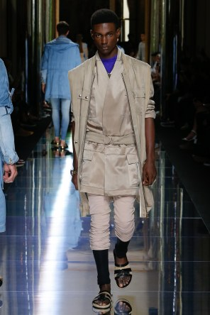 BALMAIN MENSWEAR SPRING SUMMER 2017 PARIS (8)