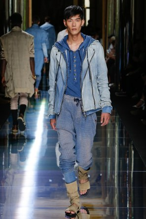 BALMAIN MENSWEAR SPRING SUMMER 2017 PARIS (9)