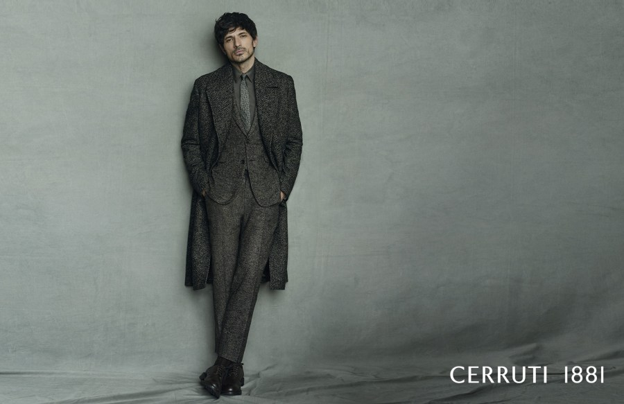 CERRUTI1881 unleashed new advertising Fall/Winter 2016 Campaign leading by Andrés Velencoso Segura modeling leather goods, watches, writing instruments and dashing eyewear.