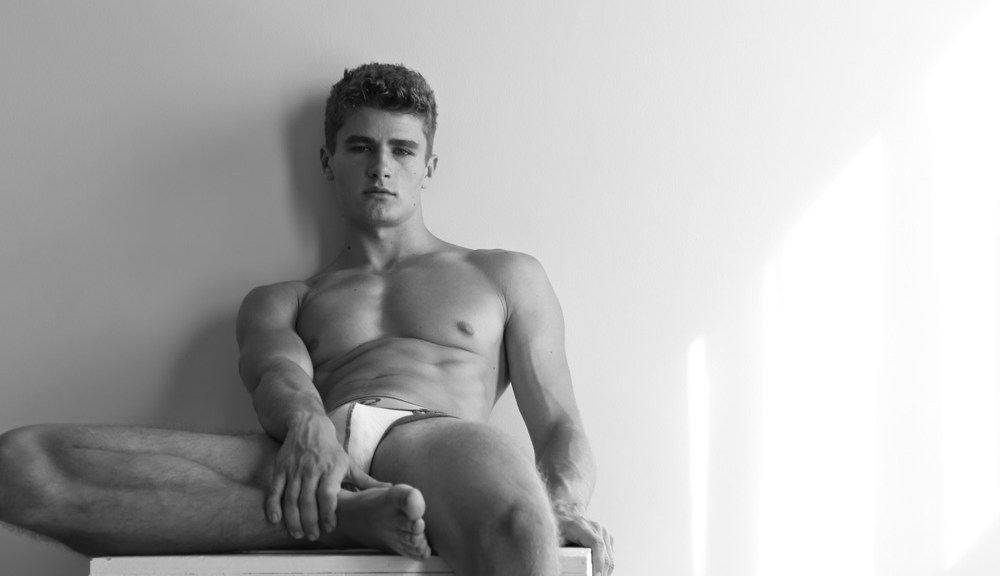 With 241K (and counting) followers on Instagram. Is crazy how this beautiful young man is exploding every single corner in the world. But we have 8 stunning pictures of Igor Kolomiyets that proves he's the one. Beautiful black and white shots by Michael Dar.