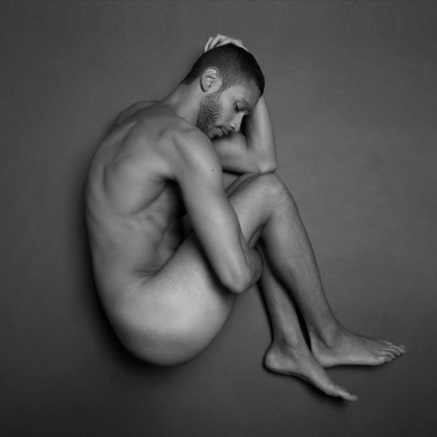 Sergio Acevedo by Ruben Tomas_Fashionably Male_06