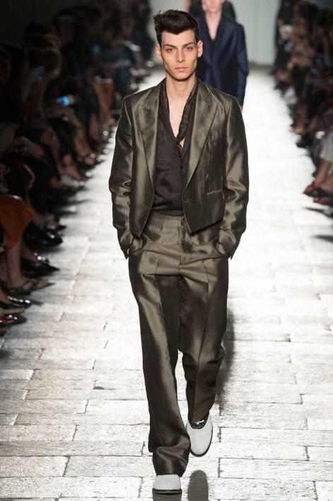 fb9ddfc4b008 Bottega Veneta RTW Spring Summer 2017 Milan - Fashionably Male