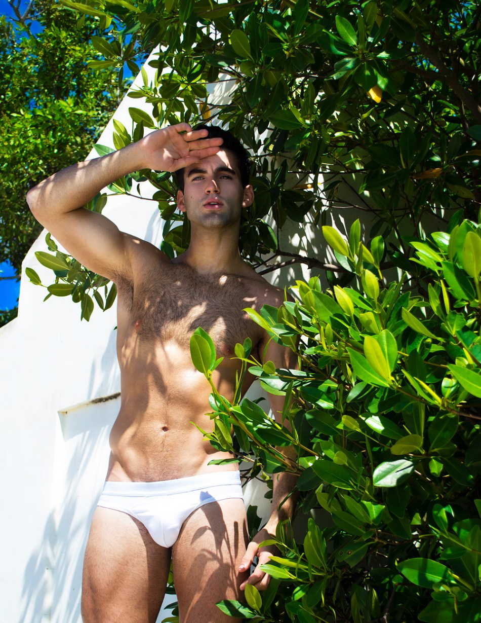 Hey guys, come and find your nearest Tuesday Morning Series with new face Rafael Ray capturing by Alain Vasallo.