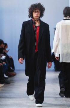 ann-demeulemeester-menswear-fall-winter-2017-paris34
