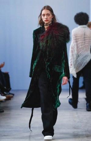 ann-demeulemeester-menswear-fall-winter-2017-paris7