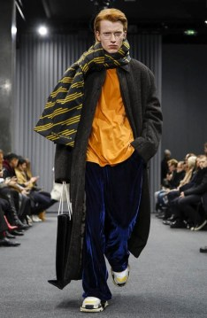 balenciaga-menswear-fall-winter-2017-paris10