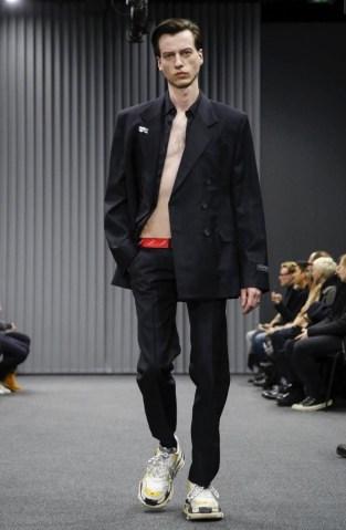 balenciaga-menswear-fall-winter-2017-paris19