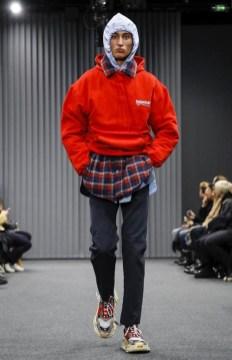 balenciaga-menswear-fall-winter-2017-paris23