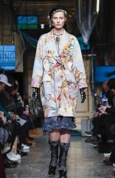 moschino-menswear-pre-fall-fall-winter-2017-milan1