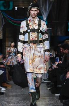 moschino-menswear-pre-fall-fall-winter-2017-milan36