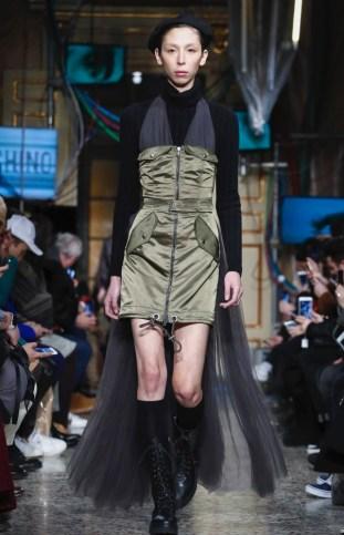 moschino-menswear-pre-fall-fall-winter-2017-milan58
