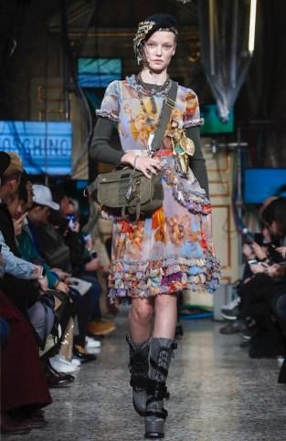 moschino-menswear-pre-fall-fall-winter-2017-milan6