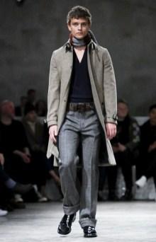 prada-menswear-fall-winter-2017-milan44