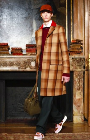valentino-menswear-fall-winter-2017-paris19