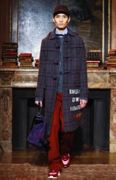 valentino-menswear-fall-winter-2017-paris23