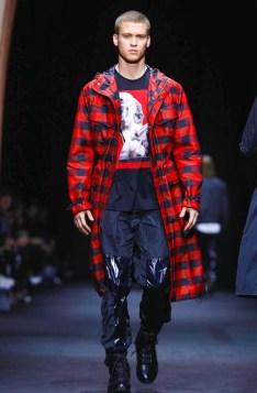 versace-menswear-fall-winter-2017-milan2