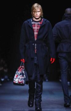 versace-menswear-fall-winter-2017-milan37