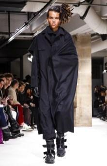 yohji-yamamoto-menswear-fall-winter-2017-paris1