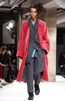 yohji-yamamoto-menswear-fall-winter-2017-paris25
