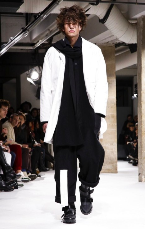 yohji-yamamoto-menswear-fall-winter-2017-paris39