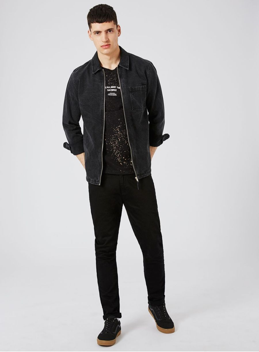 """Stretch skinny fit - mid rise, skinny hips, skinny tapered leg, stretch denimZip flyBelt loopsSide and back pocketsFeaturing Topman branded trims98% Cotton, 2% ElastaneMachine washable Our model Ezra wears a size 32RModel measurements: Height: 6'2""""/1.90m, Chest: 37""""/94cm, Waist: 32.5""""/82cm"""