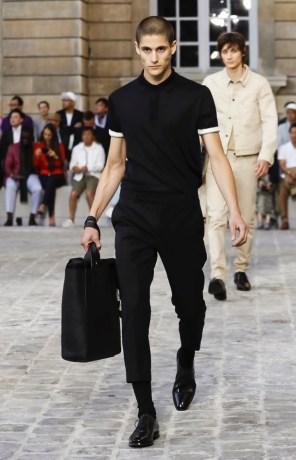 BERLUTI MENSWEAR SPRING SUMMER 2018 PARIS19