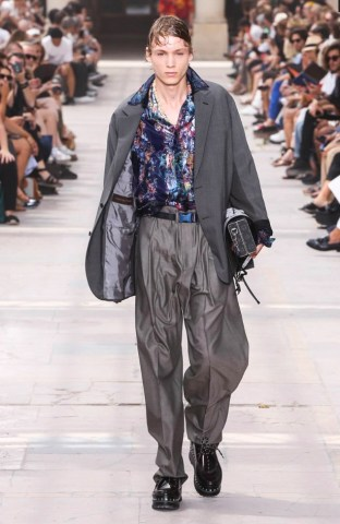 LOUIS VUITTON MENSWEAR SPRING SUMMER 2018 PARIS21