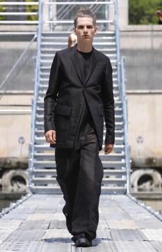 RICK OWENS MENSWEAR SPRING SUMMER 2018 PARIS1