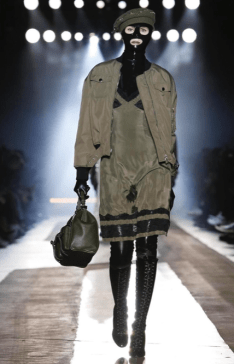 MOSCHINO FALL WINTER 2018 MENSWEAR AND WOMEN PRECOLLECTION MILAN3