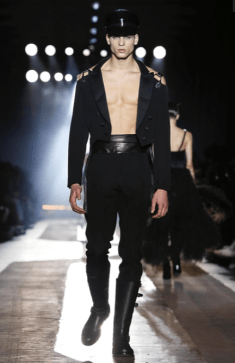 MOSCHINO FALL WINTER 2018 MENSWEAR AND WOMEN PRECOLLECTION MILAN33