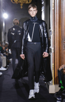 VALENTINO MENSWEAR FALL WINTER 2018 PARIS43