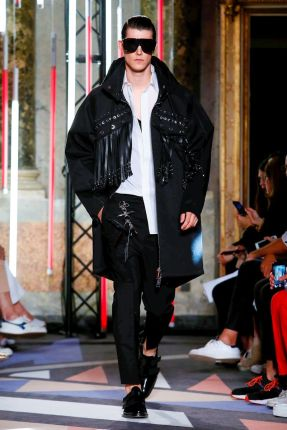 Les Hommes Menswear Spring Summer 2019 Milan12