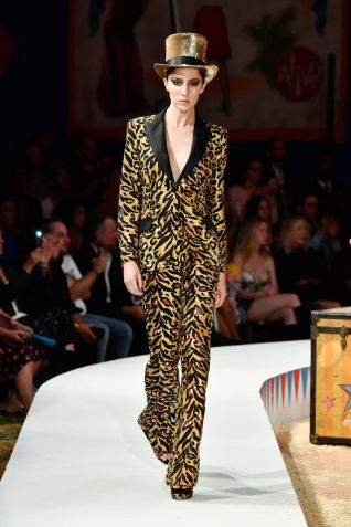 Moschino Menswear Spring Summer 2019 & Women's Resort Los Angeles40