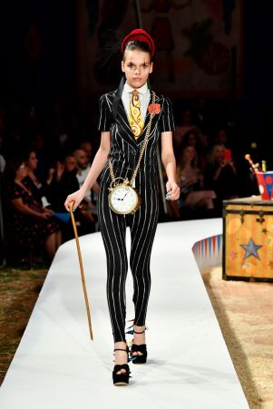 Moschino Menswear Spring Summer 2019 & Women's Resort Los Angeles46