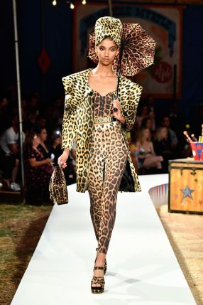 Moschino Menswear Spring Summer 2019 & Women's Resort Los Angeles9