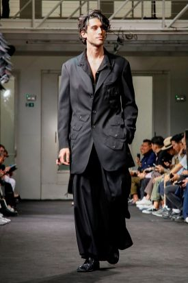 Yohji Yamamoto Menswear Spring Summer 2019 Paris2