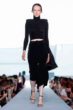 Vetements Ready To Wear Spring Summer 2019 Paris14