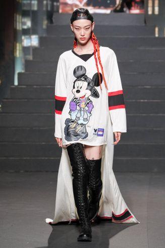 Moschino [tv] x H&M Fall Winter 2018 New York32