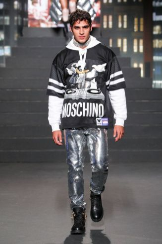 Moschino [tv] x H&M Fall Winter 2018 New York44